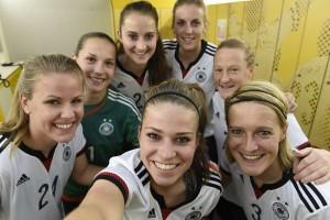 deutschlandtrikot-der-damen2015